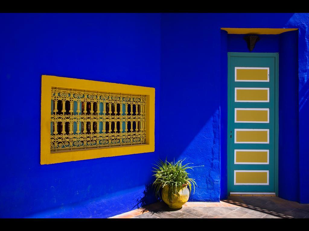 Salon Marocain Bleu Nuit: Idées sur le thème Marocain Moderne ...