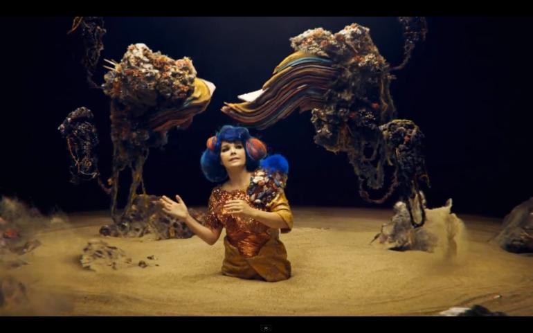 Björk-Mutual Core_001