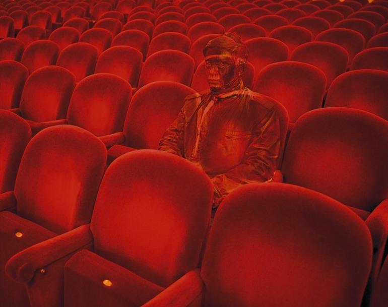Liu_Bolin_Teatro_alla_Scala_95x120cm_photo_2010